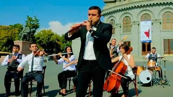 Kamo Seyranyan - Serenad shepori hamar (Arno Babajanyan)